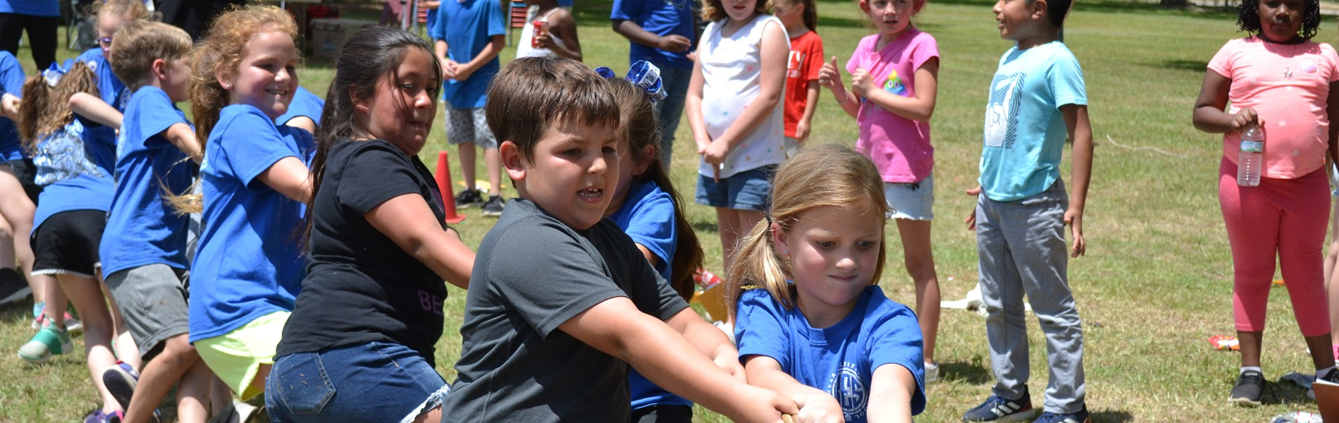 2nd grade Field Day Tug of War